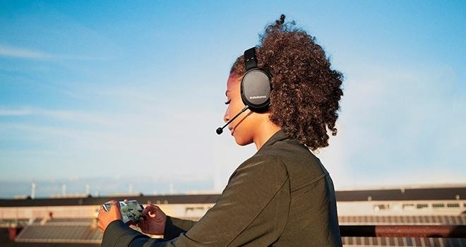 SteelSeries'ten, dünyanın ilk mobil uyumlu wireless kulaklığı!
