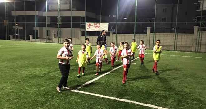 İstiklalspor Yeni Sezona Hazırlanıyor
