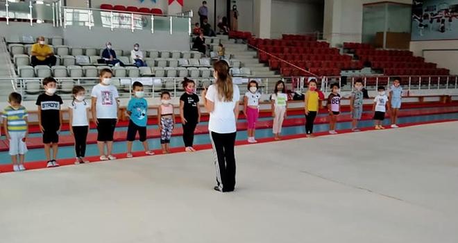 Cimnastik Salonu Cıvıl Cıvıl