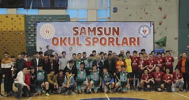 Şampiyon Büyüklü Anadolu Lisesi