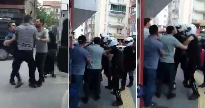 Sokakta Sigara İçen Kadını Dövdü, Polise Direndi