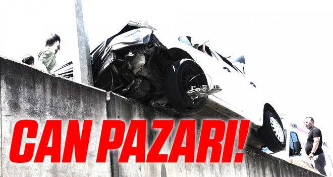 Samsun'da Kazada askıda kalan otomobilde can pazarı