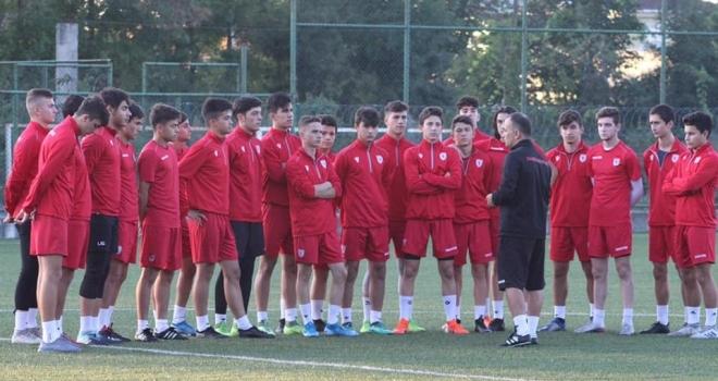 Yılport Samsunspor U17 takımı İzmir'de