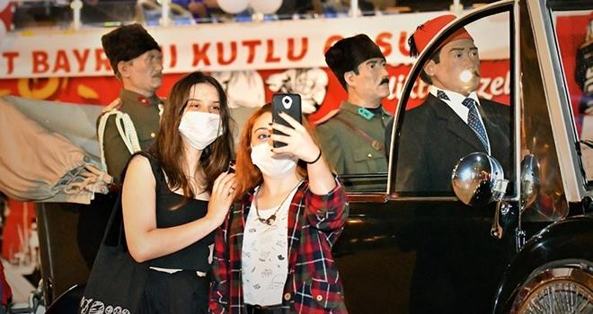 Büyükşehir'denCumhuriyet turu