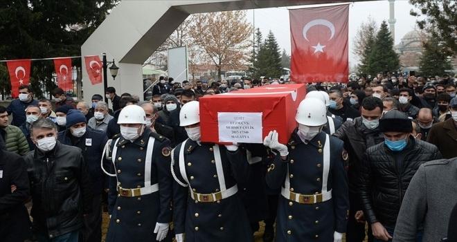 Şehit Uzman Çavuş Mehmet Çelik Malatya'da son yolculuğuna uğurlandı
