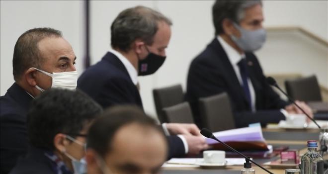 Bakan Çavuşoğlu, NATO dışişleri bakanlarının teröre karşı birlikte mücadele edilmesinin önemini vurguladığını söyledi