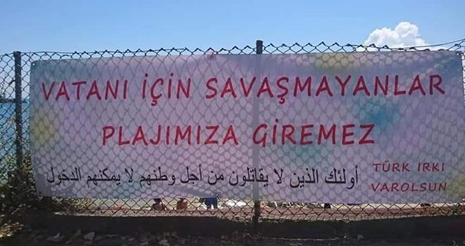 Sinop Plajı'naBu Pankart Asıldı