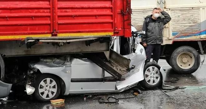 Dehşete Düşüren Görüntü! 9 Araç Birbirine Girdi