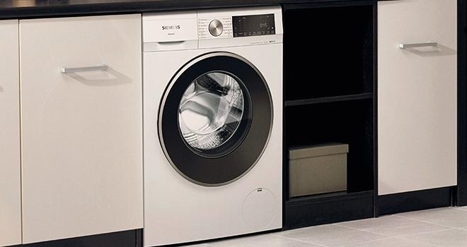Siemens'ten yenilikçi leke çıkarma teknolojisine sahip 10 kg kapasiteli çamaşır makinesi