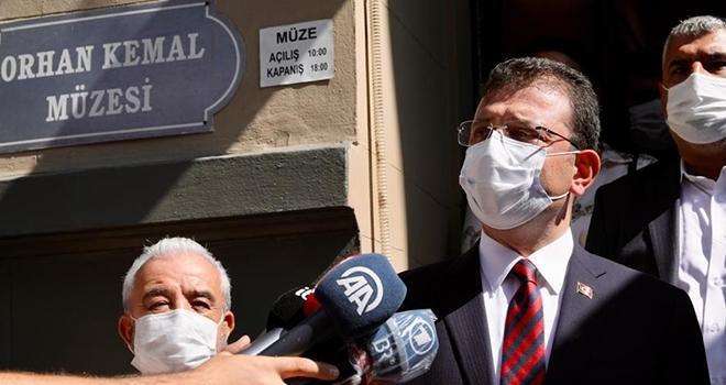 49. Orhan Kemal Roman Armağanı'nı Kazanan Geçgin Ödülünü İmamoğlu'ndan Aldı
