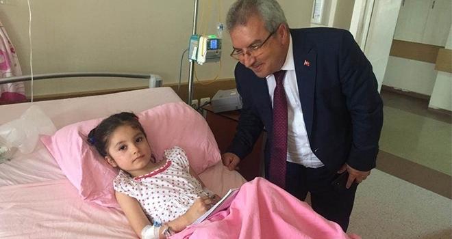 Minik Zeynep'e moral ziyareti