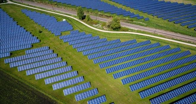 Elektrik üretiminde yenilenebilir enerjinin payı artıyor