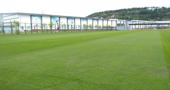 Yeni tesisin çimleri tamam