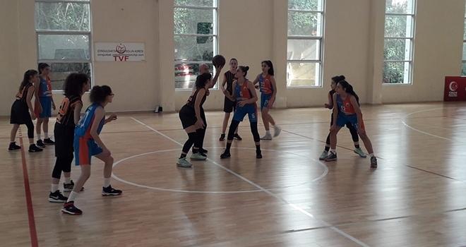 İlkadım U-14 Kız Basketbol Takımı Anadolu Şampiyonasına Adını Yazdırdı