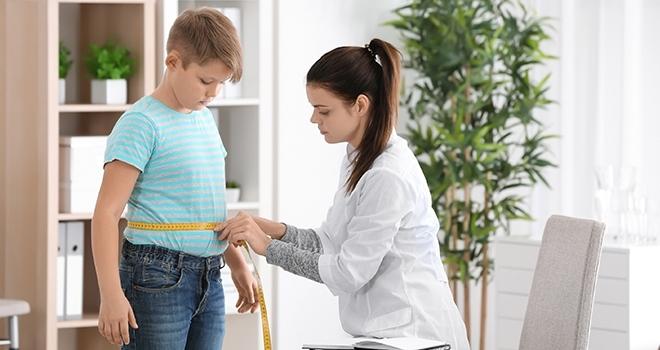 Çocuklarda doğru beslenme ve hareketli yaşam obezitenin önüne geçilebilir