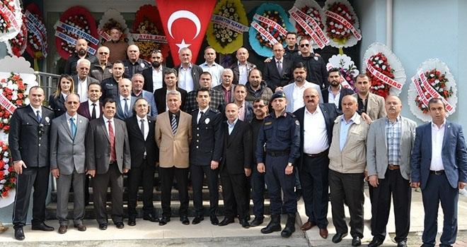 Başkan Acar'dan Polislere Tebrik