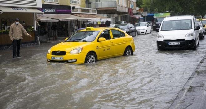 Başkentte sağanak bazı bölgelerde su baskınlarına neden oldu