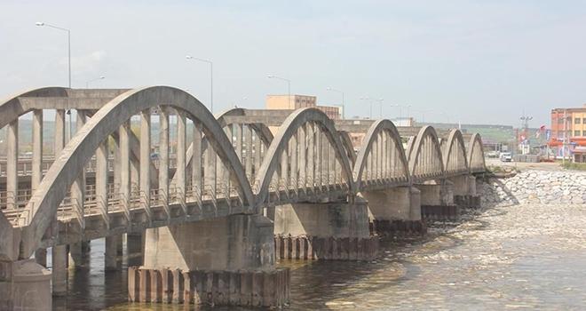 Tarihi Köprüde Restorasyon Başladı