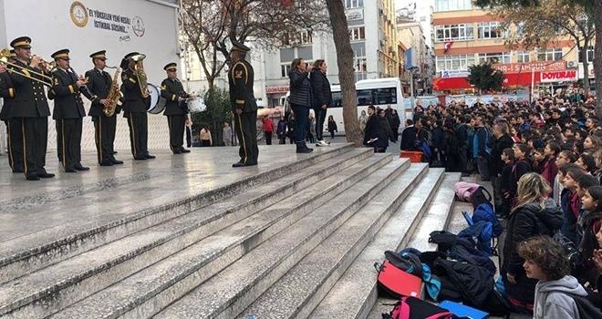 Askeri BandodanSürpriz Konser