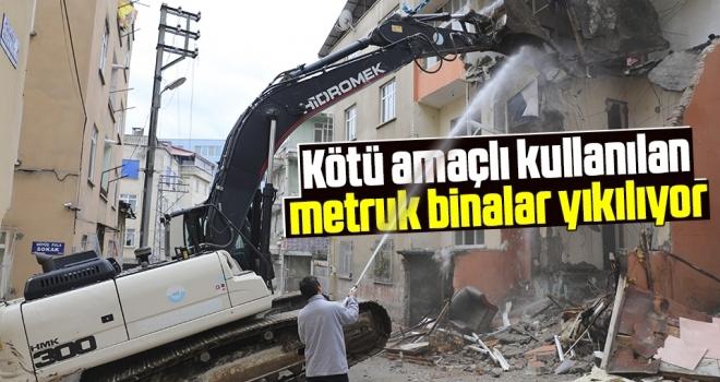 Samsun'da Kötü Amaçlı Kullanılan Metruk Binalar Yıkılıyor