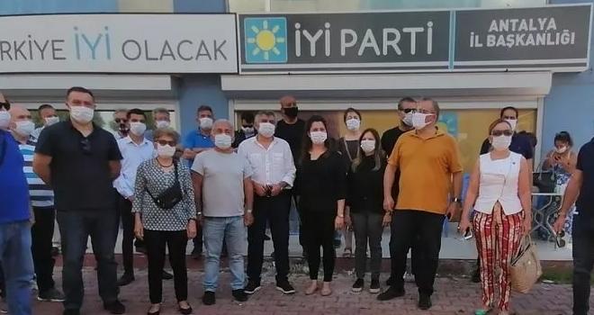 İYİ Parti'de Toplu İstifa! 'Balık İstifi Gibi...'