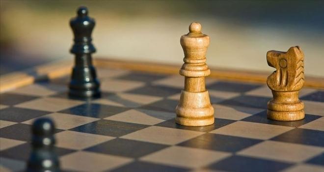 'Büyük Usta Karpov' Türk satrançseverlerle buluşacak